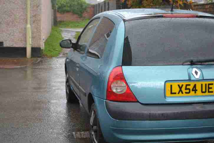2004 RENAULT CLIO 1.2 8.V authentique 3 door hatchback