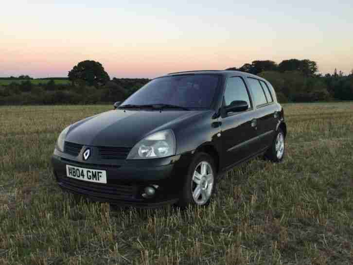 renault 2004 clio dynamique 1 2 16v 5 door black car for sale. Black Bedroom Furniture Sets. Home Design Ideas