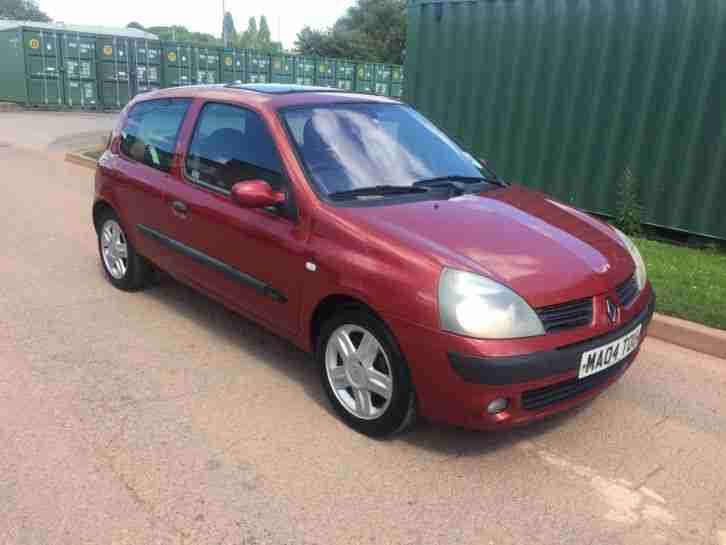 2004 renault clio dynamique 16v red 1 2 12 months mot alloys very. Black Bedroom Furniture Sets. Home Design Ideas
