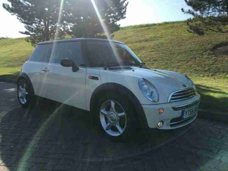 2005 55 MINI COOPER 1.6 CHILLI PACK WHITE 1 LADY OWNER EXCELLENT CONDITION PX