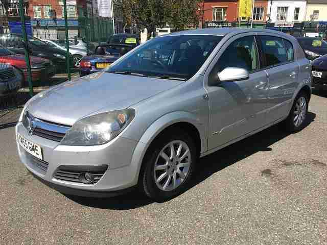 2005 (55) VAUXHALL ASTRA 1.6 DESIGN 16V TWINPORT 5DR Manual