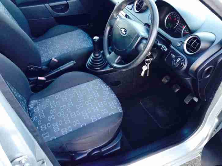 Ford 2005 Fiesta Style Silver 5 Door Hatchback 1 3 Cc Low Mileage Must