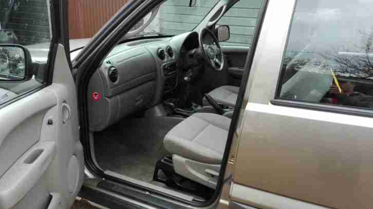 Jeep CHEROKEE LIBERTY RENEGADE 2 8 CRD WITH RARE 6 SPEED MANUAL GEARBOX