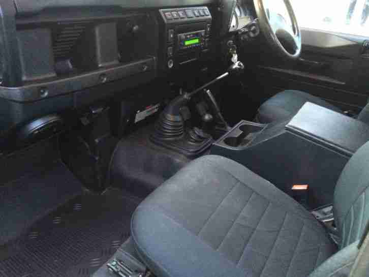 2005 LAND ROVER DEFENDER 90 TD5 COUNTY STYLE 6-SEATER