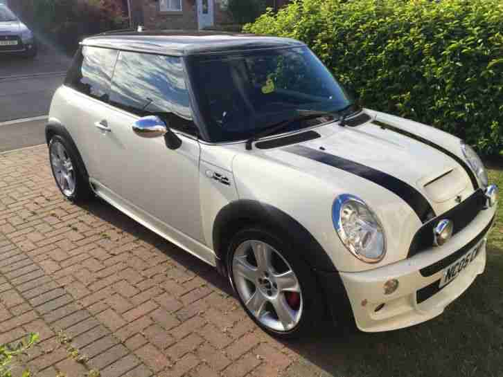 mini 2005 cooper s white jcw john cooper works body kit car for sale. Black Bedroom Furniture Sets. Home Design Ideas