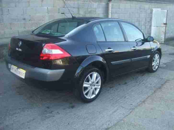renault 2005 megane pr lege vvt 136 a black damaged repairable salvage. Black Bedroom Furniture Sets. Home Design Ideas
