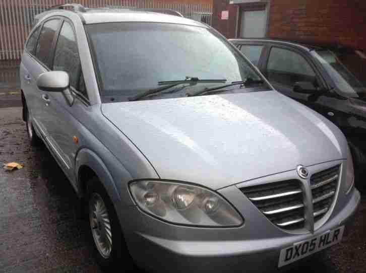 2005 SSANGYONG RODIUS 270 S AUTOMATIC.....Cheaper Road Tax Model