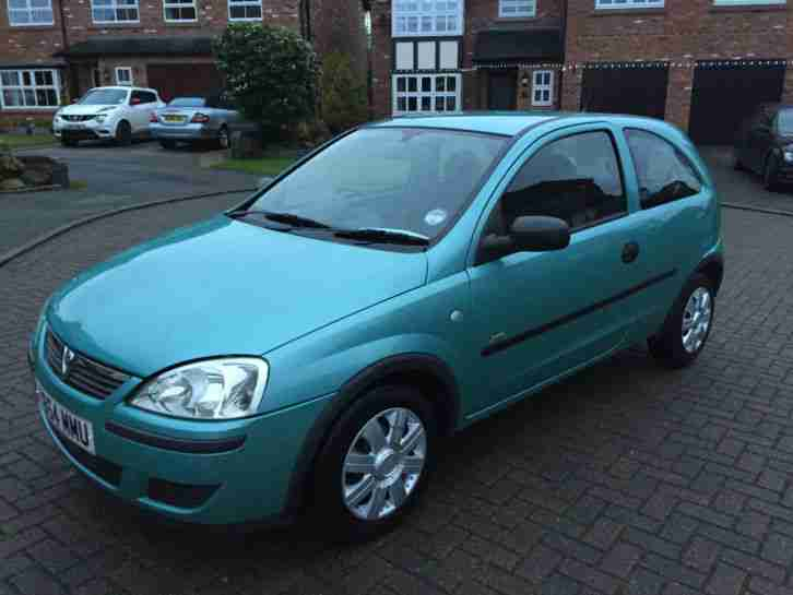 2005 vauxhall corsa life twinport green car for sale. Black Bedroom Furniture Sets. Home Design Ideas