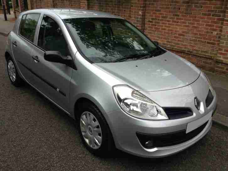 renault 2006 06 clio 1 4 expression 5 door sat nav full service car for sale. Black Bedroom Furniture Sets. Home Design Ideas