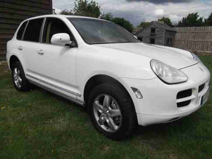 porsche 2006 4x4 lhd cayenne s 4 8l tiptronic sat nav left hand drive. Black Bedroom Furniture Sets. Home Design Ideas
