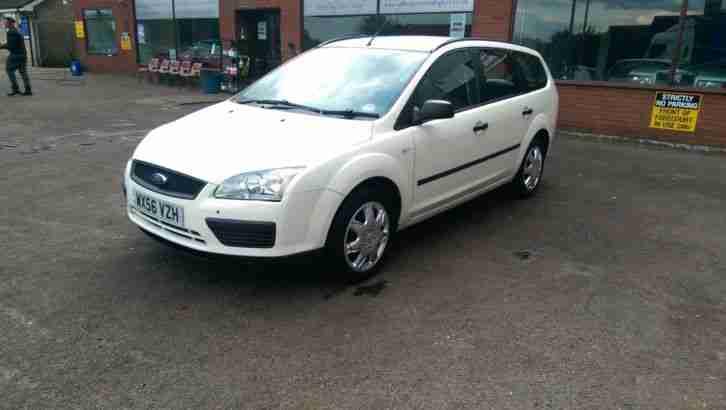 ford  focus lx tdci white car  sale