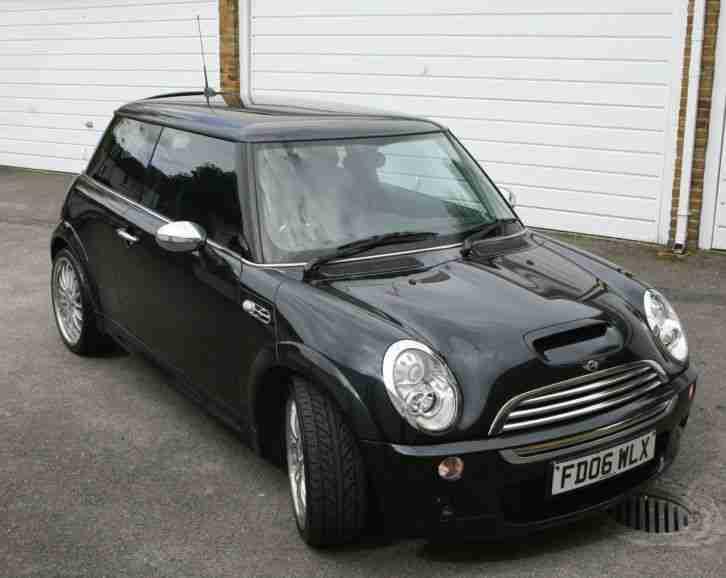 mini 2006 cooper s black car for sale. Black Bedroom Furniture Sets. Home Design Ideas