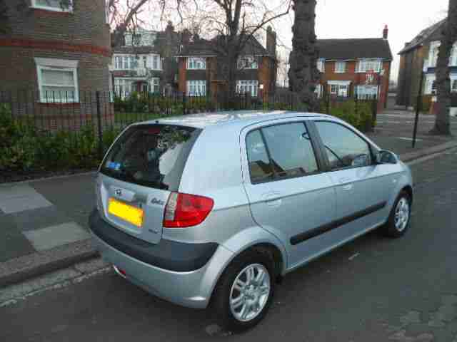 2006 MODEL HYUNDAI GETZ 1.1 LITER CDX 5 DOOR IN SILVER COLOUR