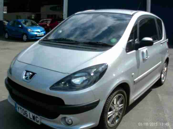 Peugeot 1007. Peugeot car from United Kingdom