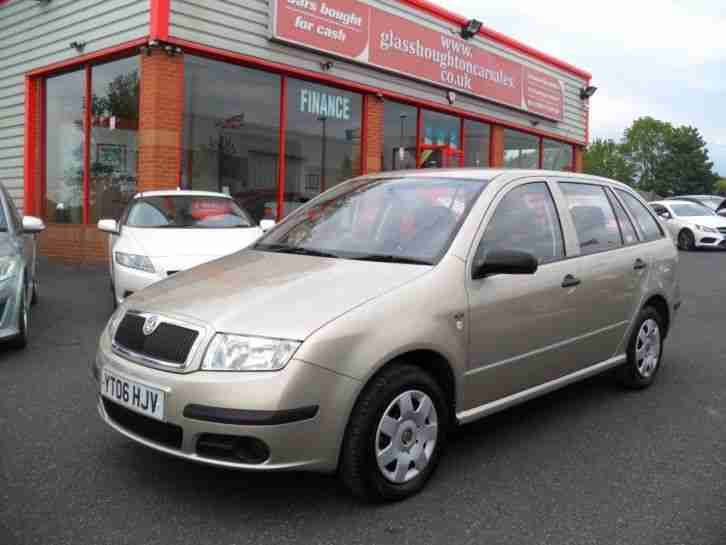 skoda 2006 fabia 1 2 12v classic 5dr 64hp full service history 2. Black Bedroom Furniture Sets. Home Design Ideas