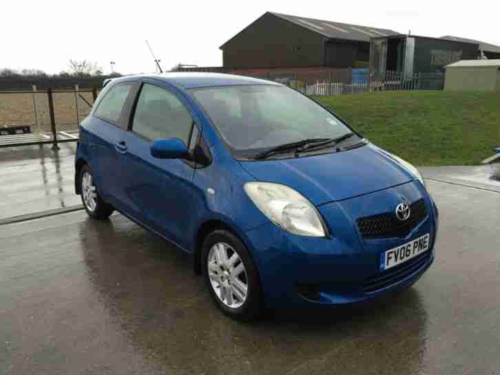 toyota 2006 yaris t3 blue 1 3 petrol 80k miles s history damaged. Black Bedroom Furniture Sets. Home Design Ideas
