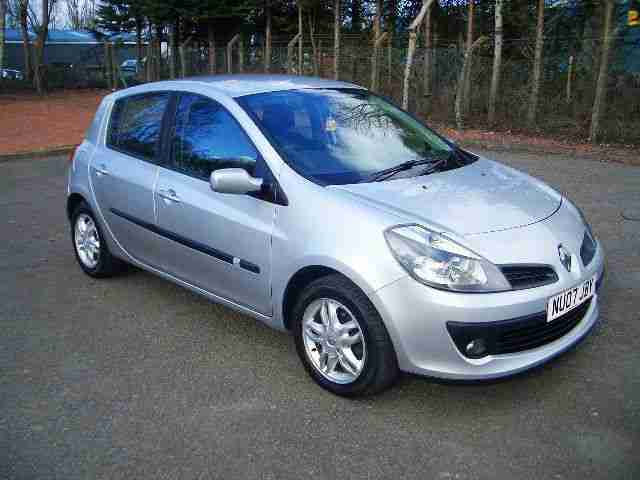 renault clio 1 5 dci dynamique five door turbo diesel car for sale. Black Bedroom Furniture Sets. Home Design Ideas