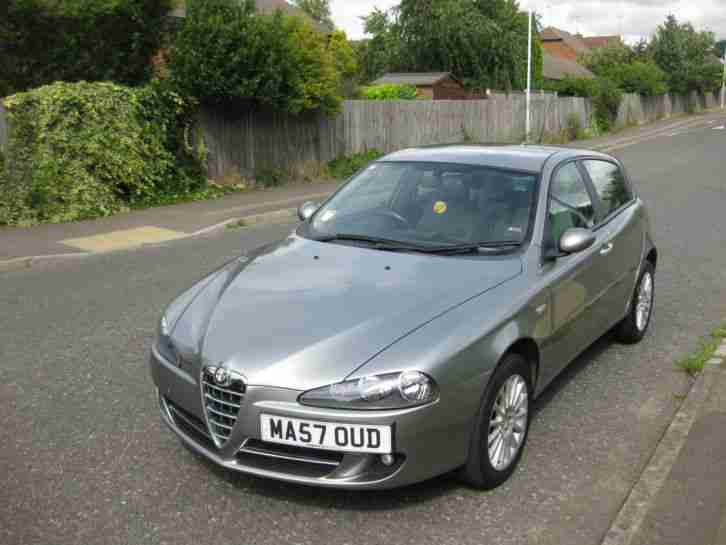 alfa romeo 2007 147 1 9 jtdm lusso 5dr sat nav full leather seats. Black Bedroom Furniture Sets. Home Design Ideas