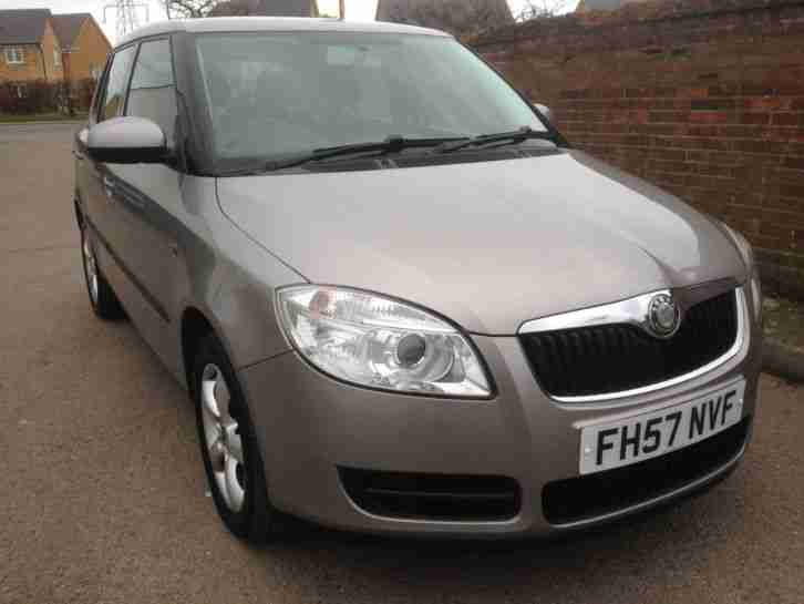 skoda 2007 fabia 1 4 tdi 80 beige full mot history low tax recent belt. Black Bedroom Furniture Sets. Home Design Ideas