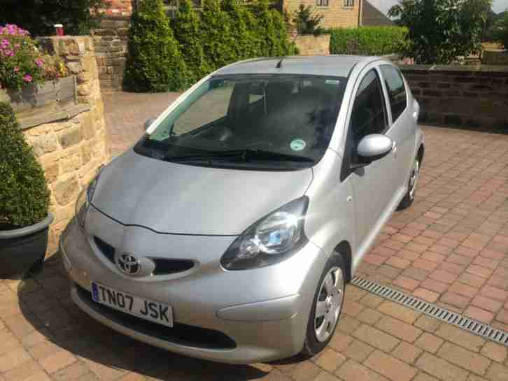 toyota 2007 aygo d 4d 1 4 diesel silver f t s h 20 road tax. Black Bedroom Furniture Sets. Home Design Ideas