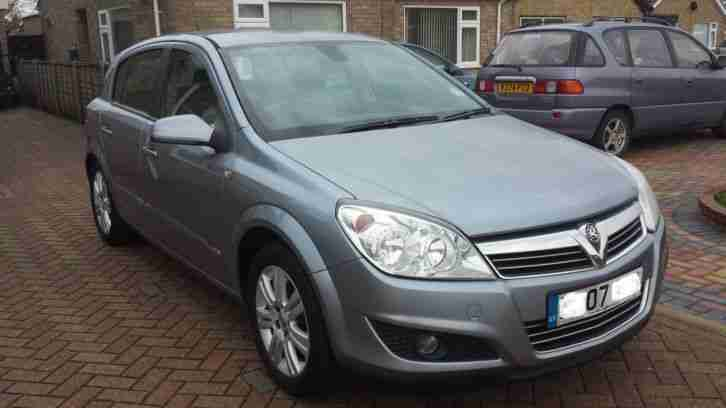 2007 astra design 1.6 with full