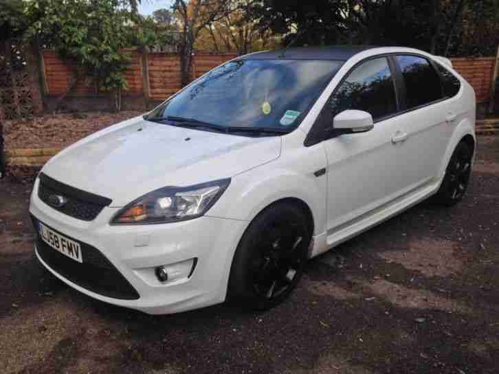 ford 2008 focus st 3 white 58 plate low mileage subtle. Black Bedroom Furniture Sets. Home Design Ideas