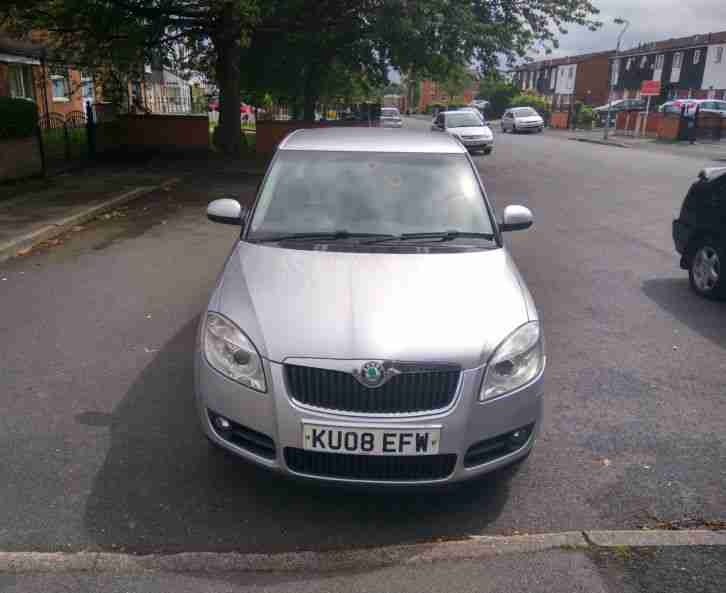 skoda 2008 fabia 3 1 4 tdi 80 silver 30 road tax 12 months mot low. Black Bedroom Furniture Sets. Home Design Ideas