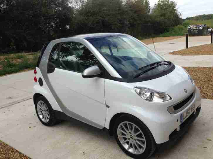 smart 2008 fortwo coupe 451 white silver car for sale. Black Bedroom Furniture Sets. Home Design Ideas