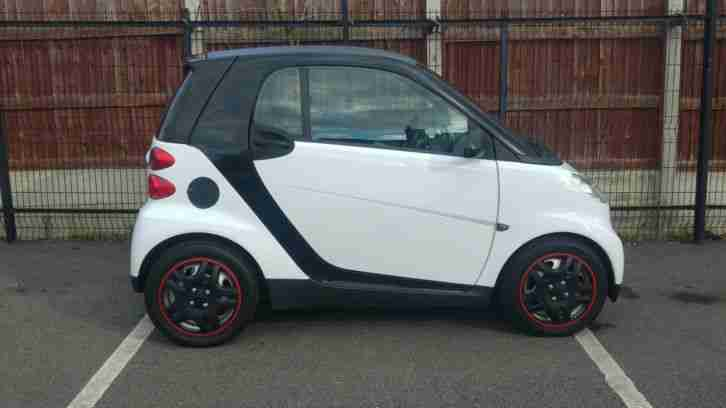 2008 SMART FORTWO PURE 71 AUTO BLACK £30 ROAD TAX FULL MERCEDES HISTORY