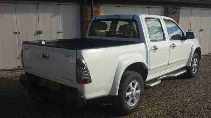 2009/59 ISUZU RODEO DENVER 2.5 MAX DOUBLE CAB PICKUP IN WHITE AND NO VAT TO ADD!