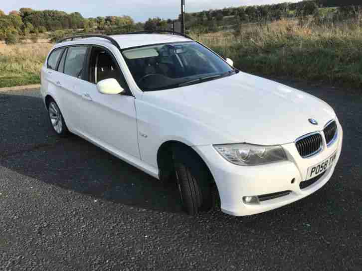 2009 330D AC TOURING WHITE EX POLICE