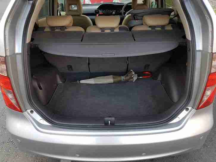 2009 HONDA FR-V EX 2.2 I-CTDI SILVER 1 owner, leather upholstery. F.S.H.