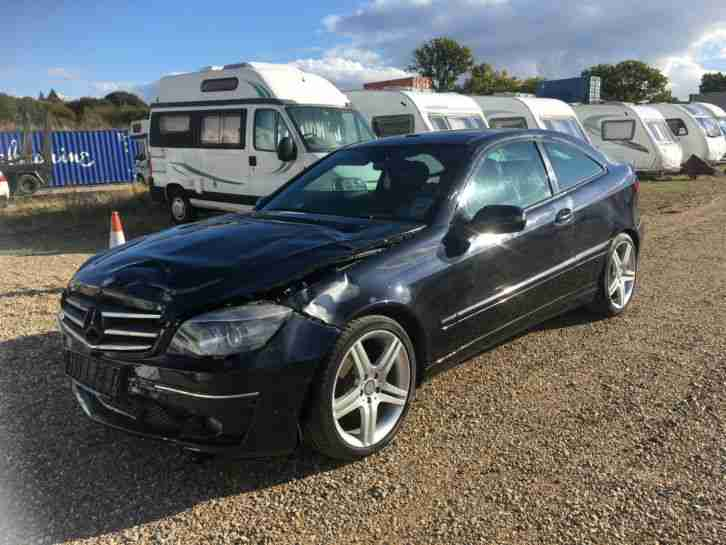 Mercedes benz 2009 clc220 cdi sport automatic diesel black for Salvage mercedes benz