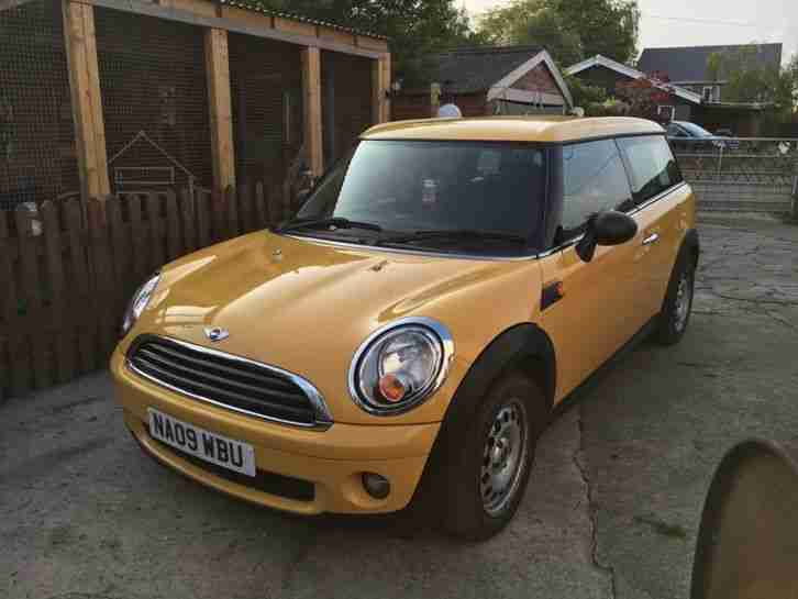 Mini 2009 One Clubman Yellow Estate 14 Car For Sale