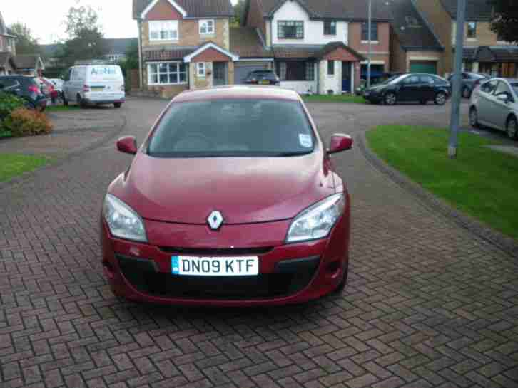 2009 RENAULT MEGANE 1.5 Diesel - low miles and 4 new tyres!