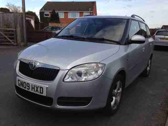 skoda 2009 fabia 1 4 tdi 80 estate silver car for sale. Black Bedroom Furniture Sets. Home Design Ideas