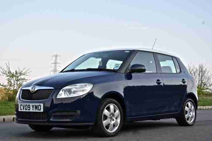 skoda 2009 fabia level 2 tdi hatchback diesel car for sale. Black Bedroom Furniture Sets. Home Design Ideas