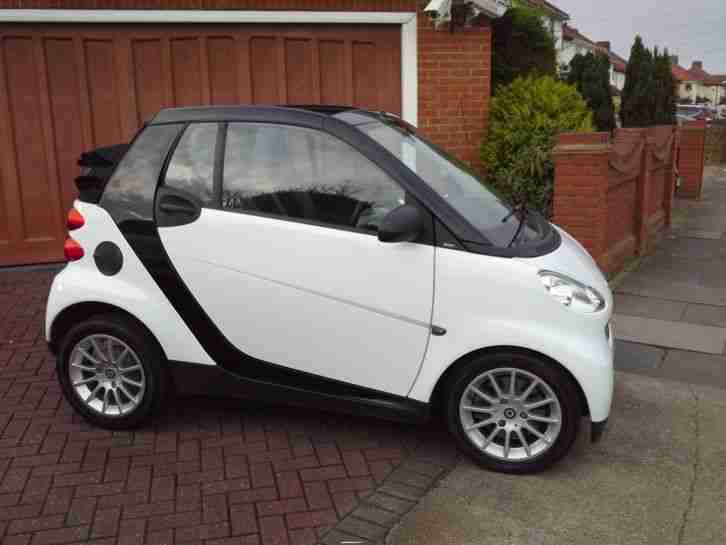 smart 2009 fortwo 1 0 passion auto convertible car for sale. Black Bedroom Furniture Sets. Home Design Ideas