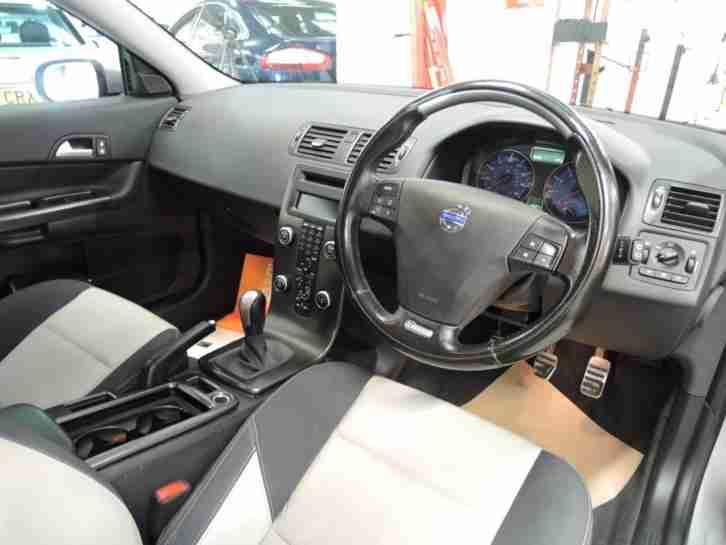 volvo 2009 c30 sport two tone leather interior hatchback petrol car for sale. Black Bedroom Furniture Sets. Home Design Ideas