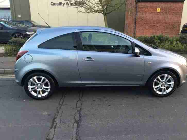 2009 Vauxhall Corsa SXi 1.2L, Metalic Silver with Alloy Wheels and Air Con