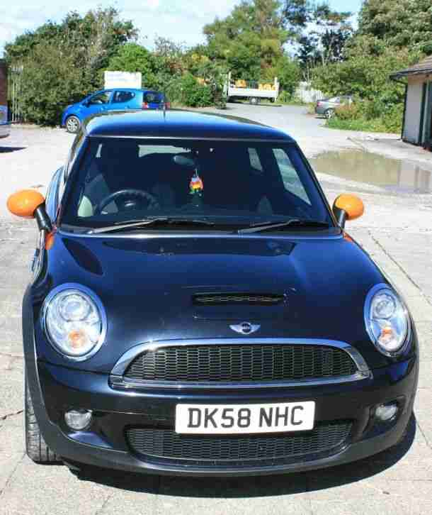 2009 mini cooper s in black 75,000 miles full service history