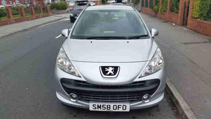 2009 peugeot 207 1.4**full mot**75k**very good and clean condition
