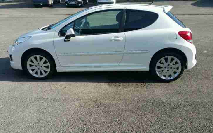 2010 (10) PEUGEOT 207 - S16 - 3/DOOR - WHITE - 1600 VTI - (74K -MILES) NEW/M.O.T
