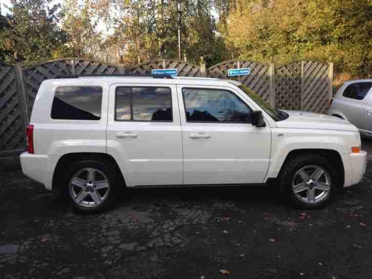 jeep 2010 60 white patriot sport 2 4 4x4 car for sale. Black Bedroom Furniture Sets. Home Design Ideas