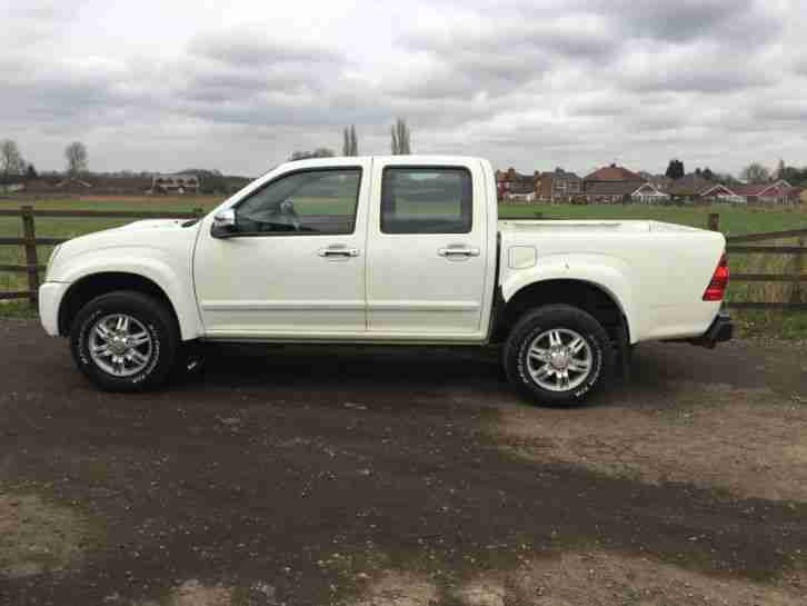 2010 ISUZU TF RODEO DENVER TD D C WHITE PICKUP SPARES OR REPAIRS BARGAIN DAMAGED