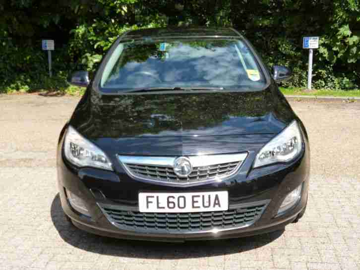 2010 VAUXHALL ASTRA EXCLUSIVE 1.3 CDTI ECOFLEX BLACK ~ NO RESERVE ~1 OWNER CORSA