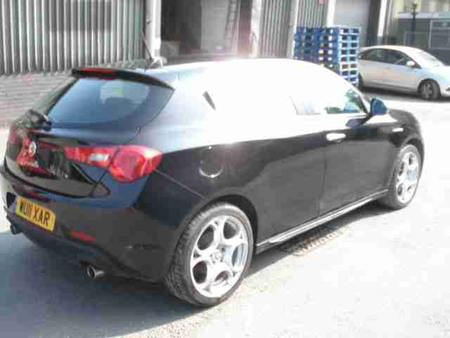 2011 11 REG ALFA ROMEO GIULIETTA VELOCE JTDM-2 BLACK Damaged Repairable Salvage