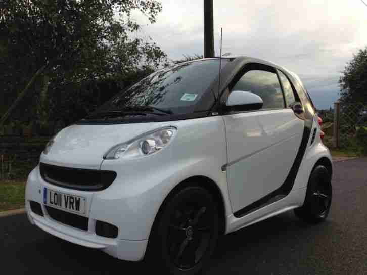 2011 11 SMART FORTWO COUPE CDI PULSE 2DR SOFTOUCH AUTO WHITE 0.7