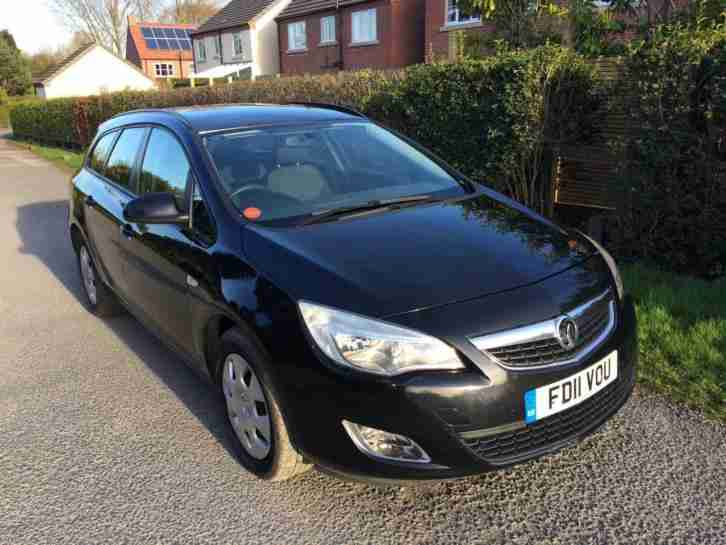 2011 11 Vauxhall Astra 1.7CDTi 16v Exclusive