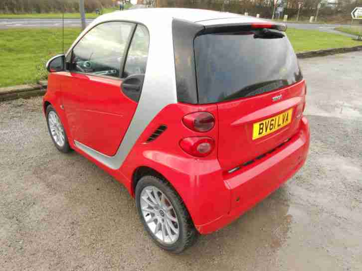 smart 2011 39 61 39 fortwo 71bhp passion low mileage car for sale. Black Bedroom Furniture Sets. Home Design Ideas